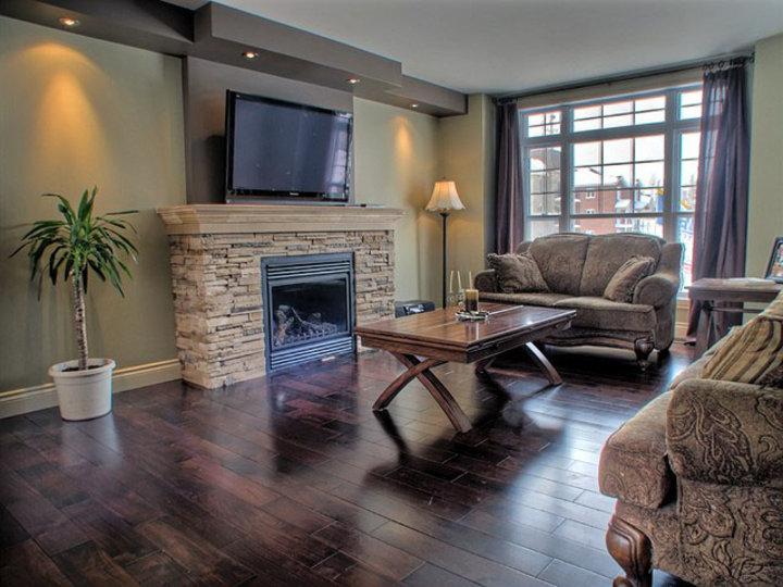 r parations la maison tuile de vinyle autocollante pour plancher. Black Bedroom Furniture Sets. Home Design Ideas